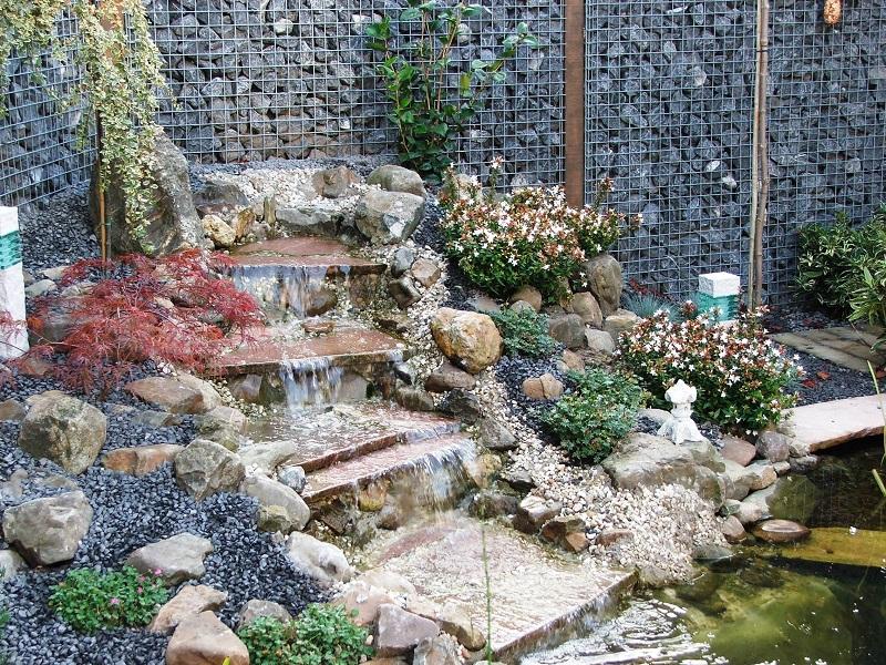Waterpartijen corne de bont hoveniers for Waterval vijver aanleggen