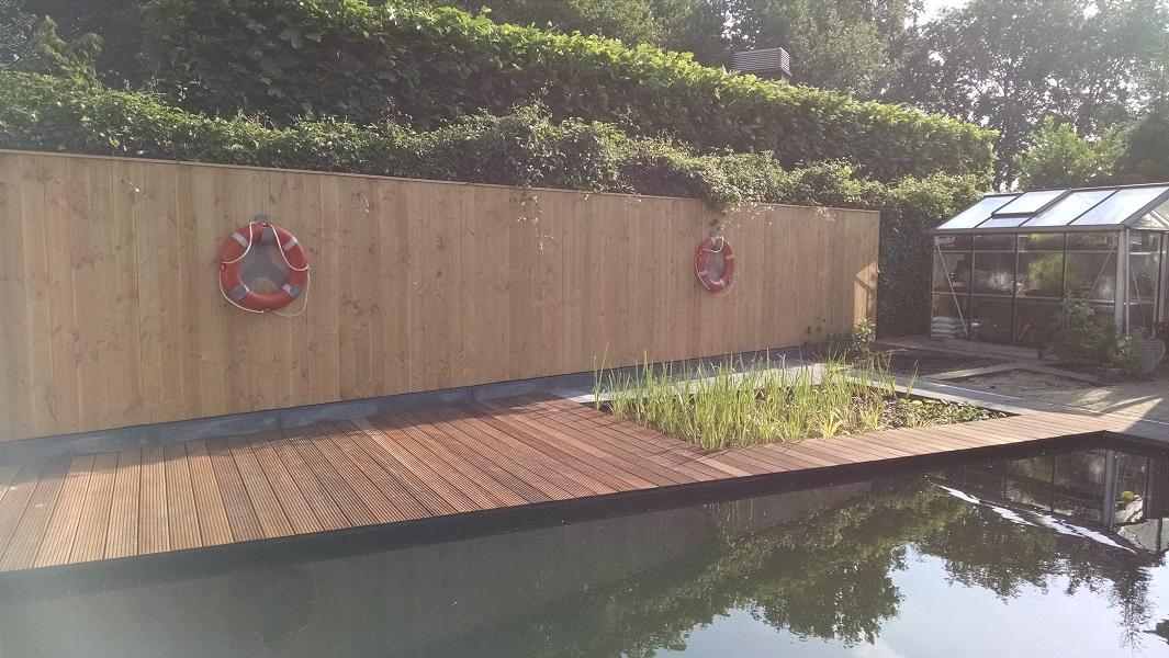 Oud Hollandse Tegels : E zwemvijver in ulvenhout met helofytenfilter aanlegsteiger brug