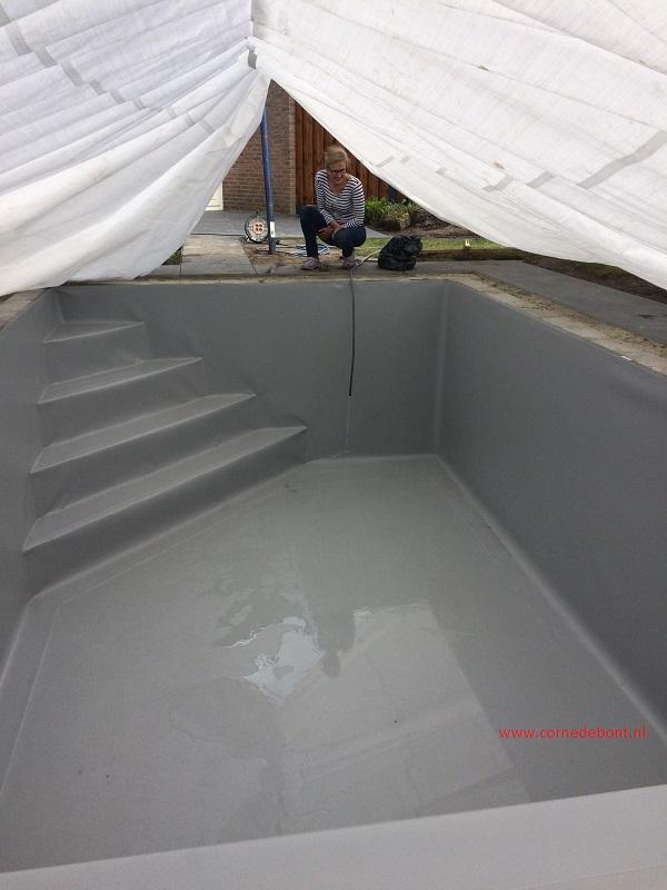S aanleg bouwkundig zwembad in oudenbosch met roldeck en for Zwembad tegels